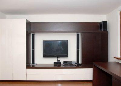 2702. Офис мебели по поръчка венге и крем