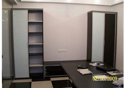 2717. Офис мебели по поръчка ПДЧ венге, алуминиеви рамки и бял лакобел