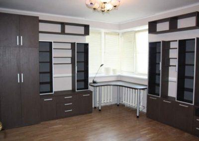 2723. Офис мебели по поръчка ПДЧ венге и алуминиеви рамки