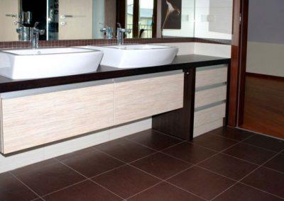 2801. Шкаф за баня от PVC дървесен декор