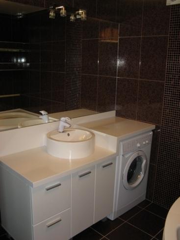 2836. Шкаф за баня по поръчка от МДФ или PVC бял гланц