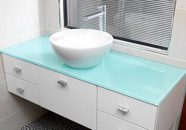 2849. Шкаф за баня по поръчка от МДФ или PVC бял гланц със стъклен плот
