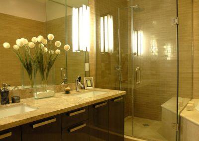 2850. Шкаф за баня по поръчка от МДФ естествен фурнир венге гланц и плот технически камък