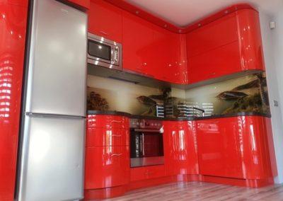 Кухни с извити детайли от МДФ – гланц, мат или фурнир