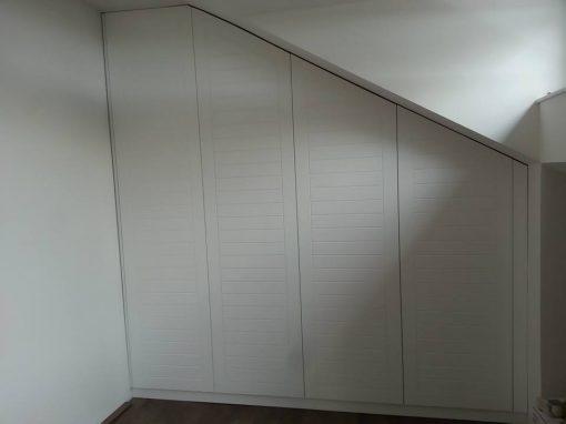 Вграден гардероб по поръчка