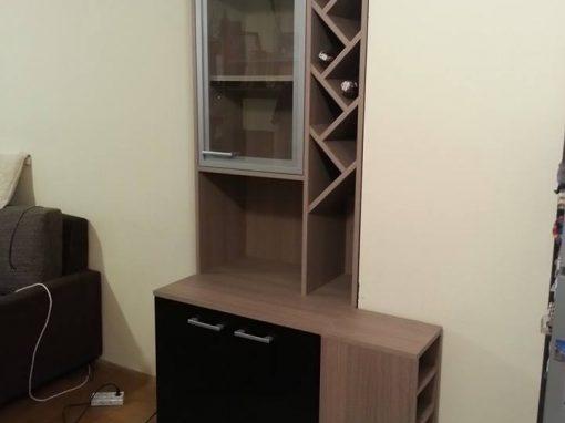Шкаф с подвижна масичка по поръчка