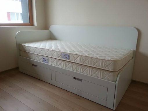 Единично легло с функция за изтегляне на втори матрак