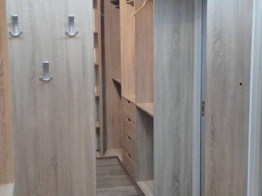 Обзавеждане на гардеробна стая по поръчка