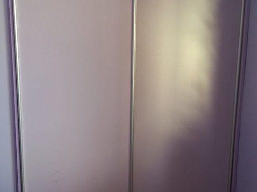 Преграждане на скосена ниша с плъзгащи врати