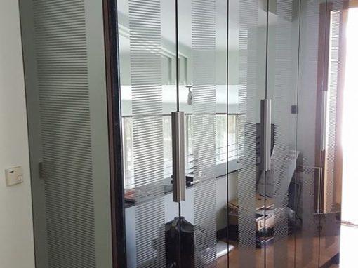 Огледален гардероб по поръчка
