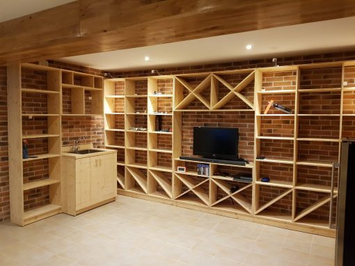 Мебели за винарна по поръчка